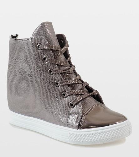 Białe sneakersy Fit